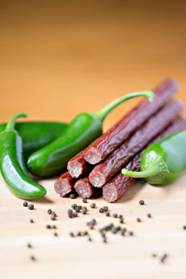 Timber-Ridge-Cattle—Beef-Sticks—Jalapeno-Snack-Sticks-min
