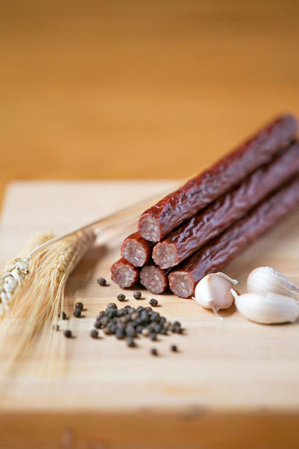 Timber-Ridge-Cattle—Beef-Sticks—Ranch-Snack-Sticks-min